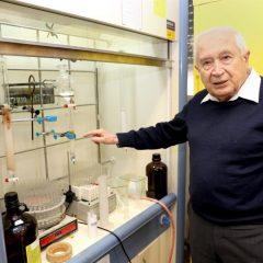 Le chercheur qui a découvert le THC vient de créer de l'acide de cannabis